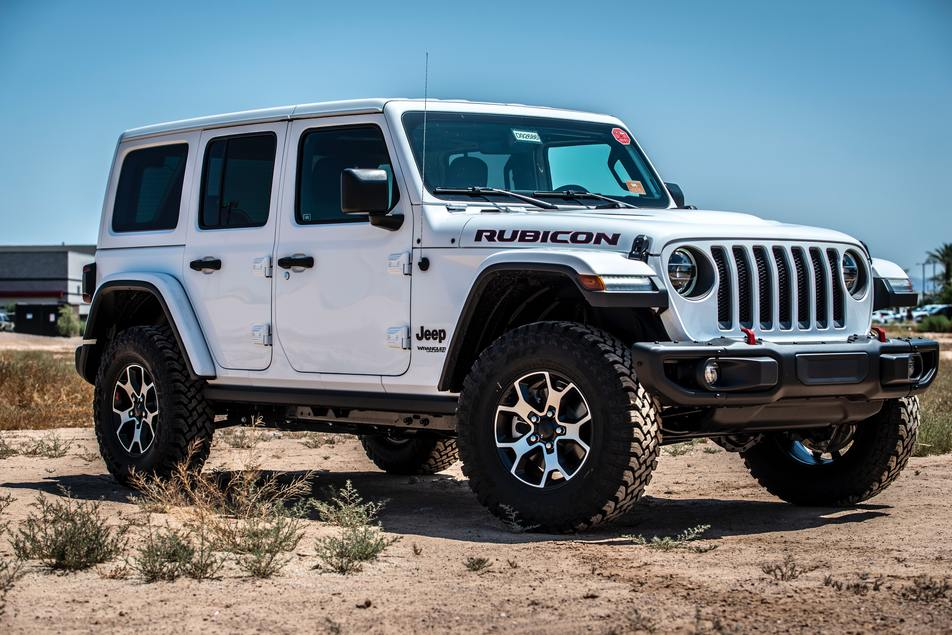 jeep with newly installed lift kit and performance tires